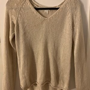 TOPS/SWEATERS - IN NEW CONDITION, VERY COMFY